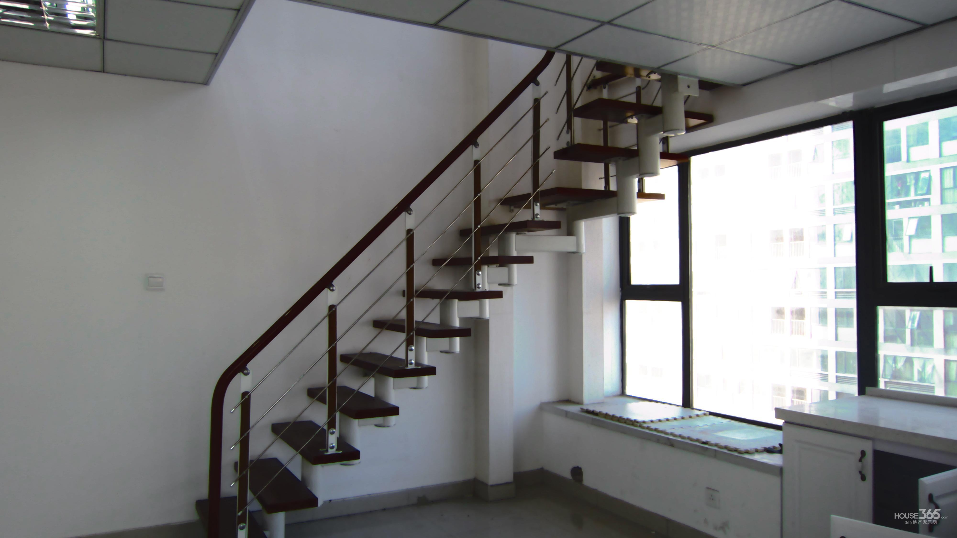 两面楼梯设计图