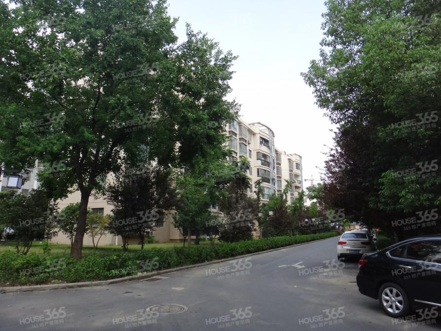 黄山花园精选优质房 地铁三号线 五彩城商圈 通透大三房