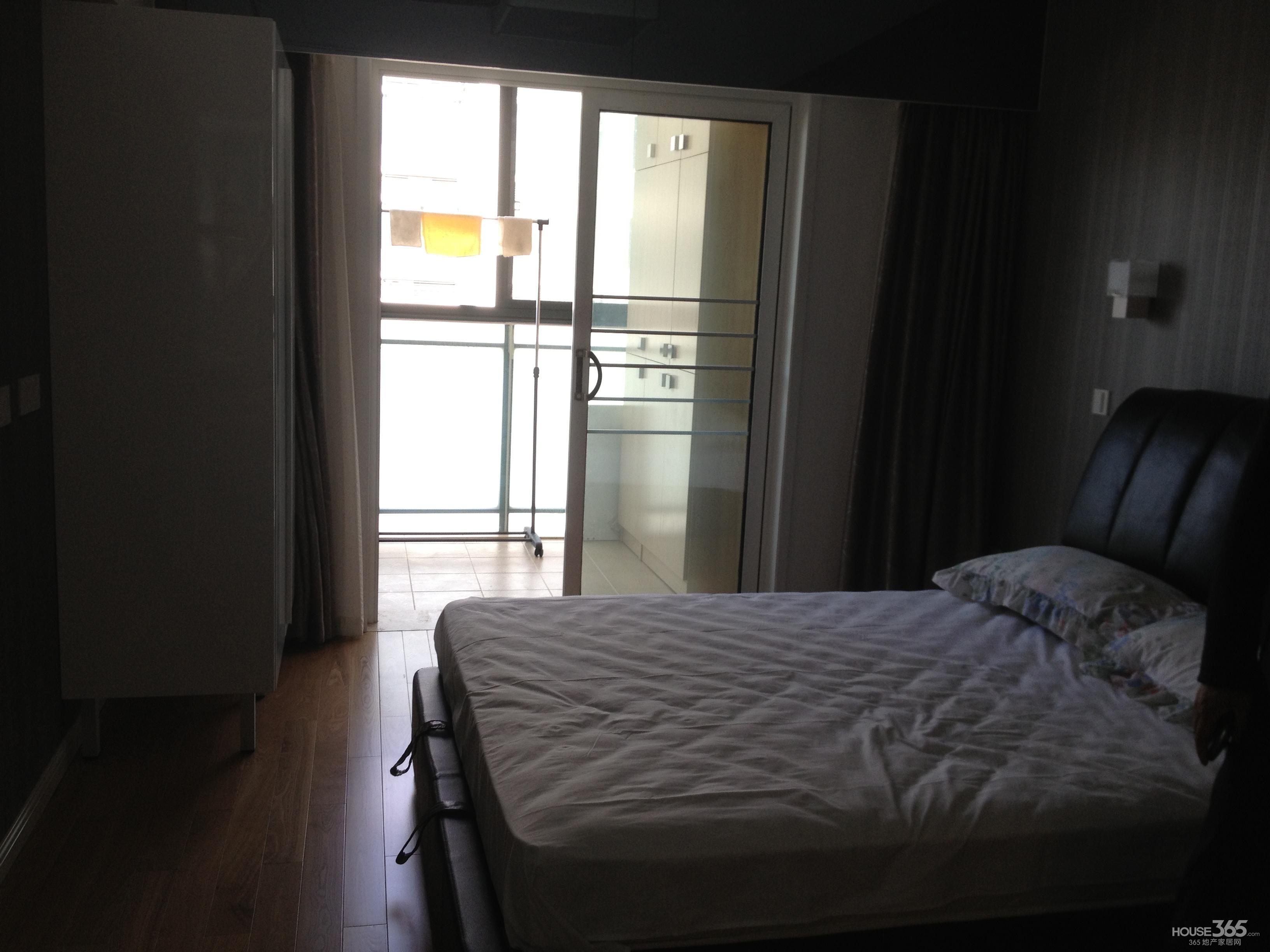 新街口 张府园地铁口 高档精装单身公寓 带阳台 投资回报率高