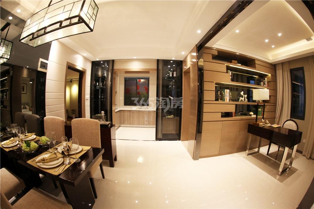 东方龙城木兰苑c2户型样板房-客厅与餐厅相连