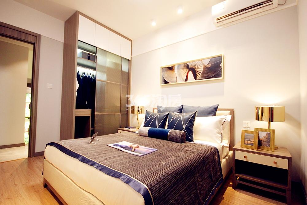 雅居乐国际花园二期128方样板房——卧室