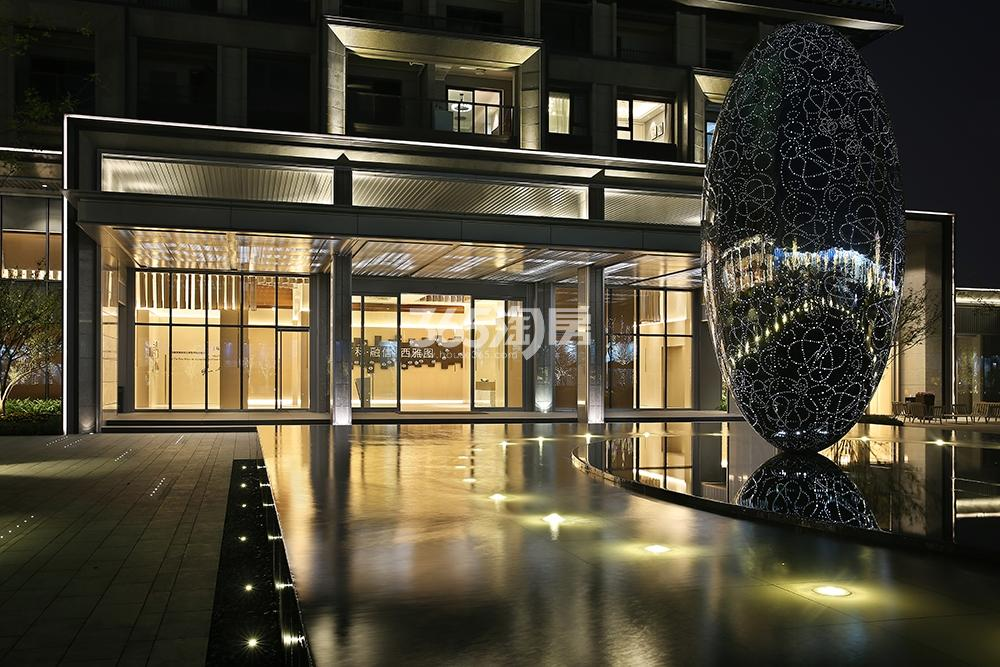 万科融信西雅图示范区夜景实景图