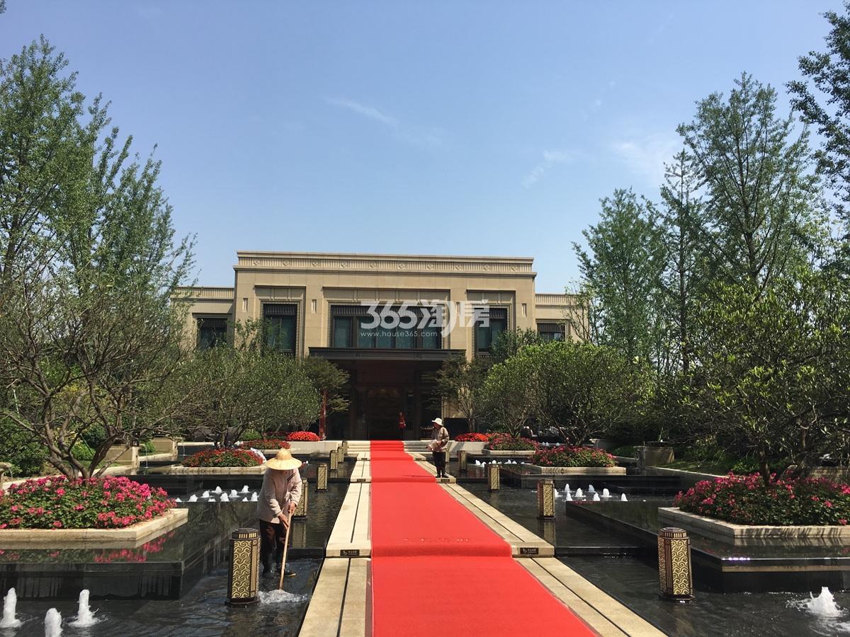 2017年5月底首开杭州金茂府售楼处现场