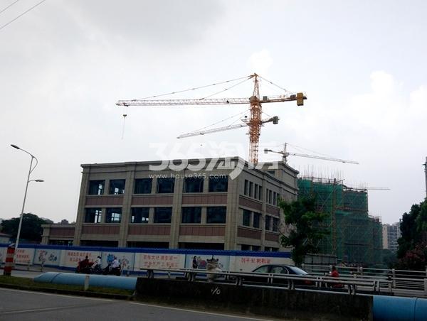 锦熙府售楼处施工进度实景图(2017.7摄)