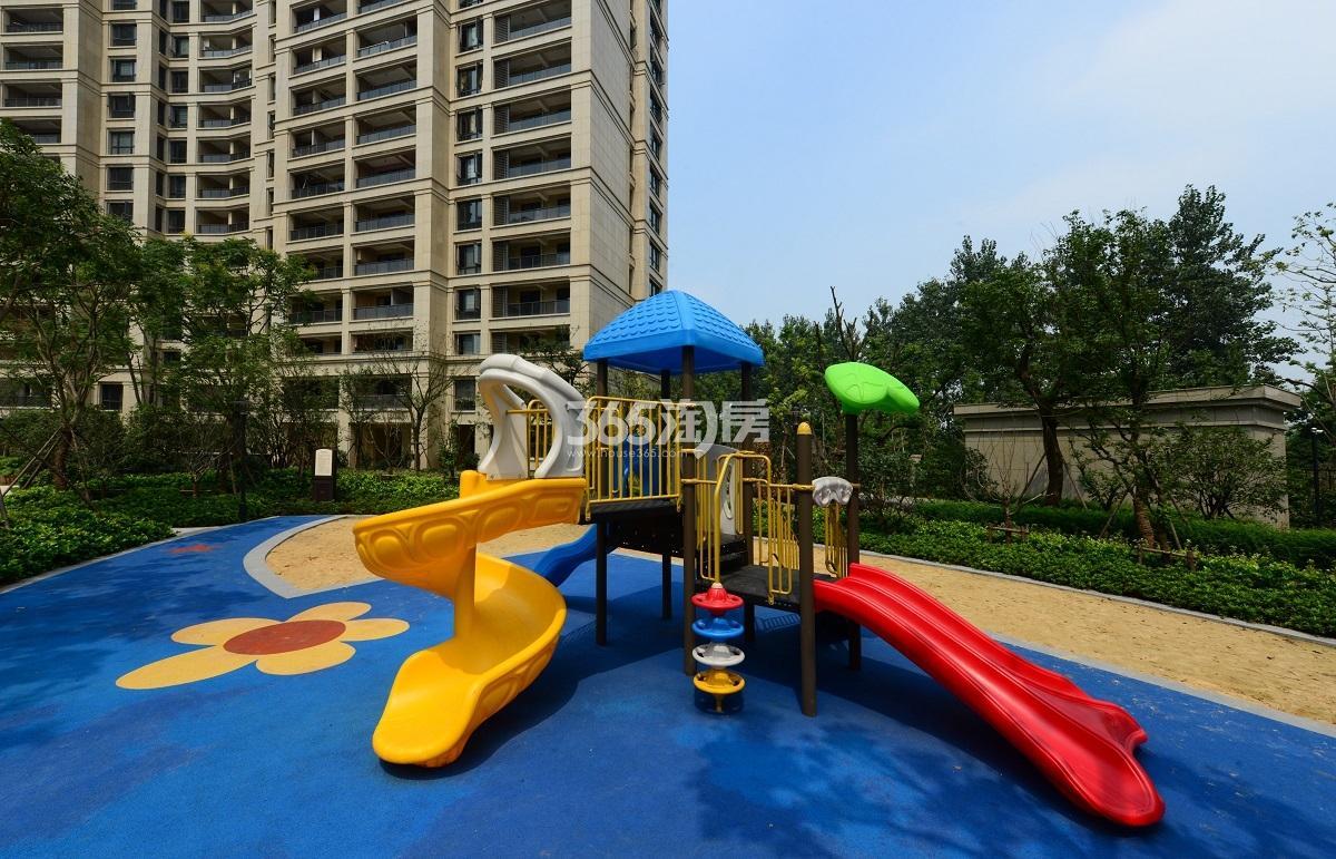 2017年7月中旬阳光郡实景---儿童游乐区