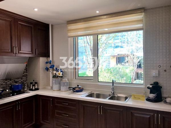 阳光100阿尔勒·星空洋房134平C1户型样板间厨房