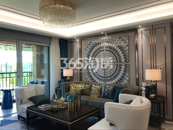 阳光100阿尔勒·星空洋房134平C1户型样板间客厅