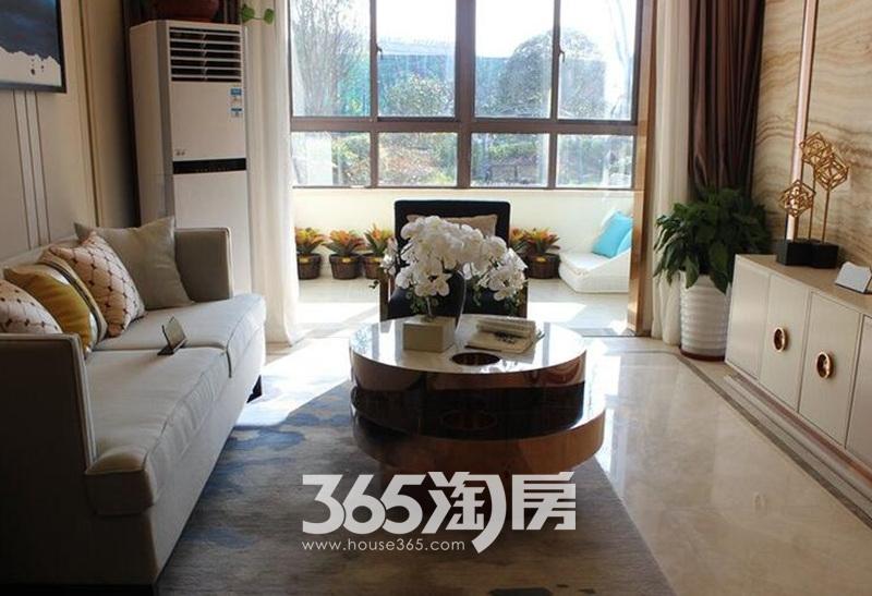 文一西溪湾样板房客厅实景图(2017.9.4)