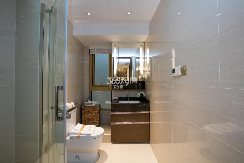 融信保利创世纪139方样板房——卫浴
